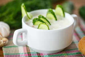 Iogurte com pepino