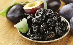 9 alimentos incríveis - ameixa seca